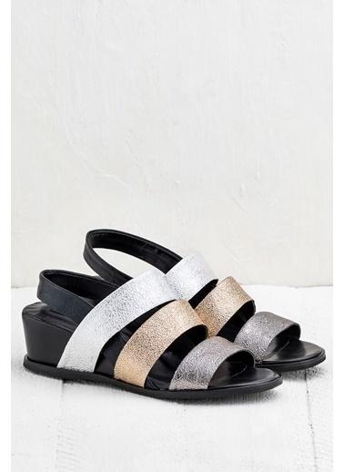 Elle Dolgu Topuklu Sandalet Bronz